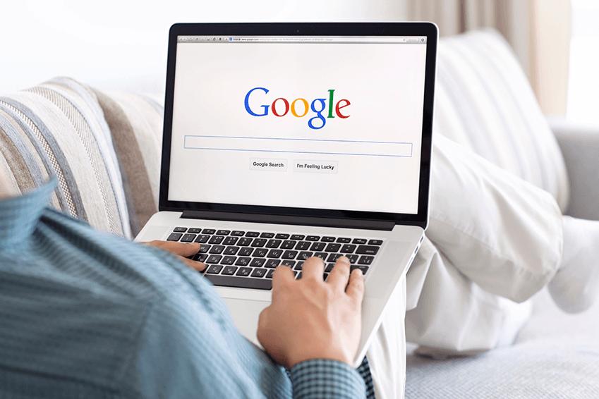 Laptop i fanget google søk